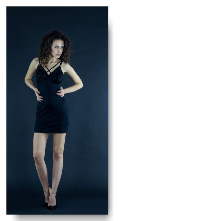 Jersey&lace mini dress  Price: 250 RON