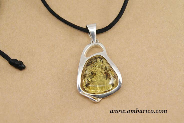 Sterling silver pendant Baltic amber/ Colgante plata de ley con ámbar báltico