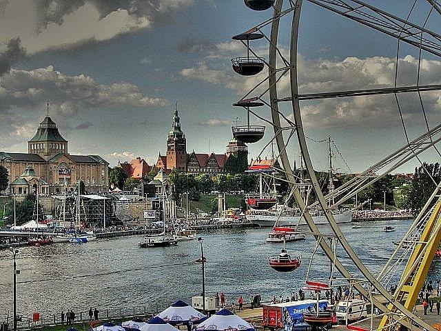 Szczecin - Wały Chrobrego During Tall Ship Races 2007