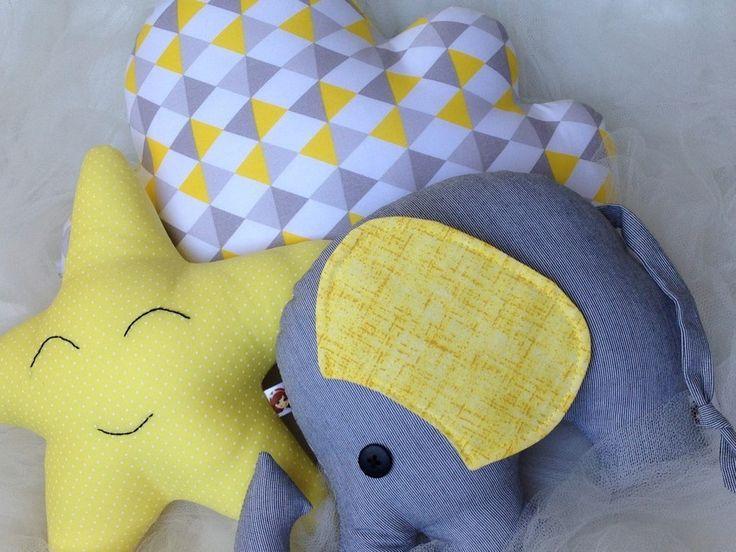 kit composto por:  - 1 elefantinho  - 1 estrelinha  - 1 nuvem 24cm x 35cm