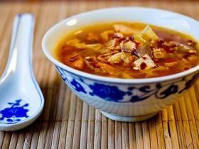 Návod na prípravu diétnej kapustovej polievky.