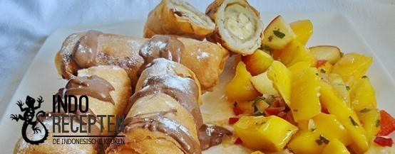Loempia Pisang dan Salad Mangga - Bananenloempia's met een fruitsalsa - Banana egg rolls with a mango salsa