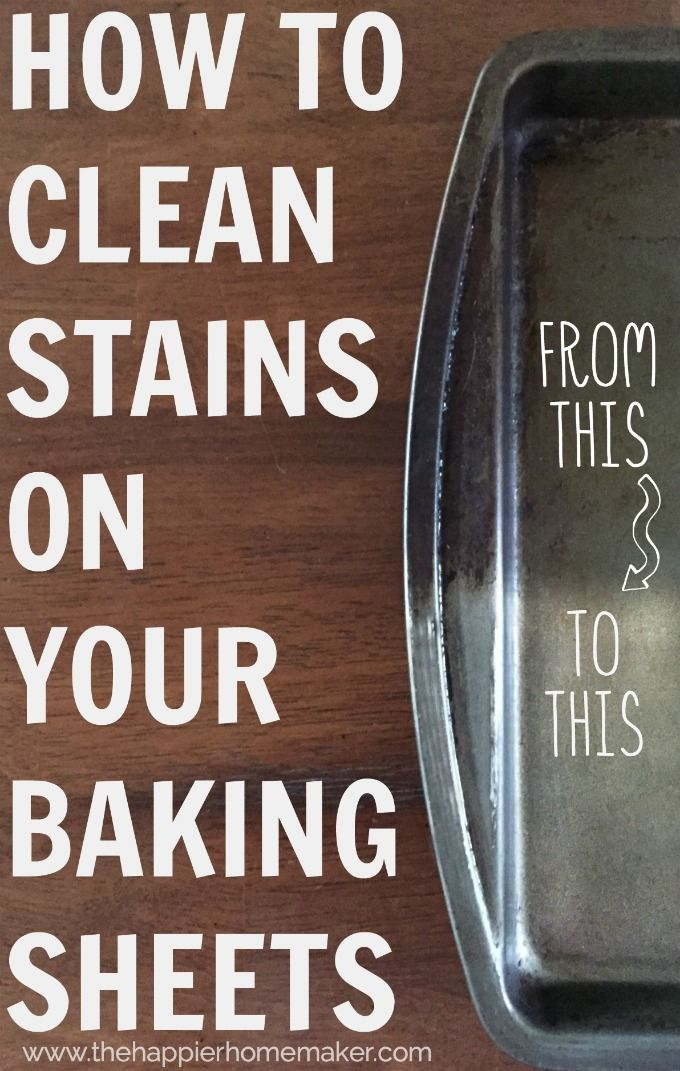 How to Clean Stains on Baking Sheets-this tip really works! Adding this to me kitchen hacks list!
