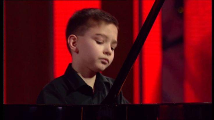 Boros Misi (11) zongora - Virtuózok 2. középdöntő (kicsik)