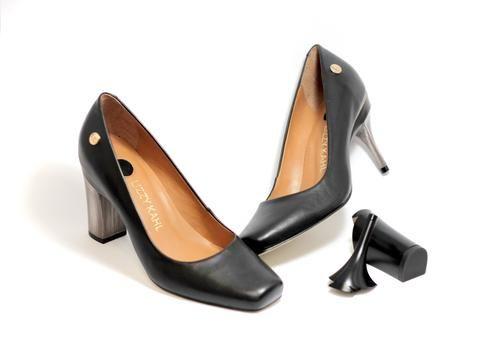 Sapato Bico Quadrado Troca de Salto Preto