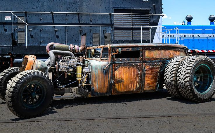 Welder Up is not your average car customization shop. Steve Darnell is the creative mastermind behind the motorized works of art that emerge from the Welder Up shop. Las Vegas is the perfect setting to inspire Steve to design the one-of-kind rat rods only he can create. Steve's incredible talent and mind-blowing creativity have caused a frenzy in the car world, landing Welder Up on the hit TV show Vegas Rat Rods now airing on the Discovery Channel.