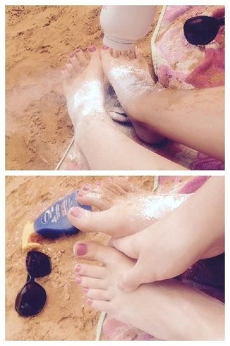 Sand-free feet...using baby powder! 8 Life Hacks for Summer