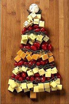 Ricette antipasti di Natale, albero di formaggi e di formaggi nella Tuscia..ce ne sono di tutti i tipi.