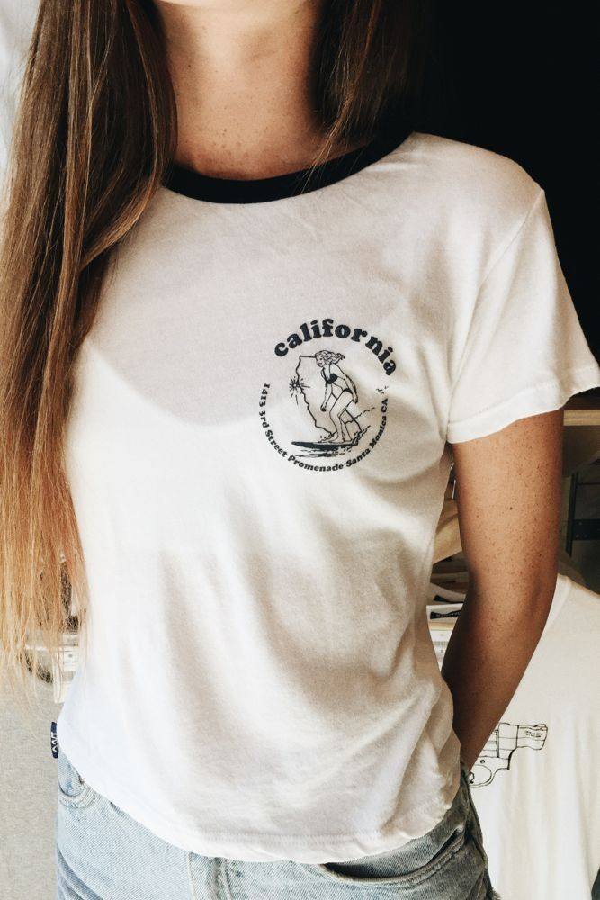 Brandy ♥ Melville | Tori Surfer Girl Top - Graphics