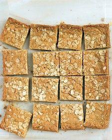 Chewy Oatmeal Blondies: Chewy Oatmeal, Recipe, Bake Blondies, Food, Sweet Treats, Lunch Box Treat, Oatmeal Blondies