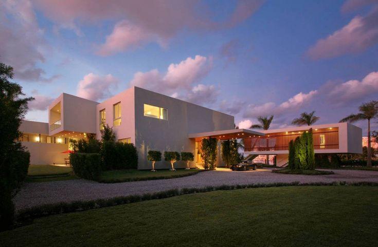 Private Residence In La Gorce / Touzet StudioModern Home Design, Private Resident, Luxury House, Home Exterior, Miami Beach, Touzet Studios, Interiors Design, La Gorc, Modern House