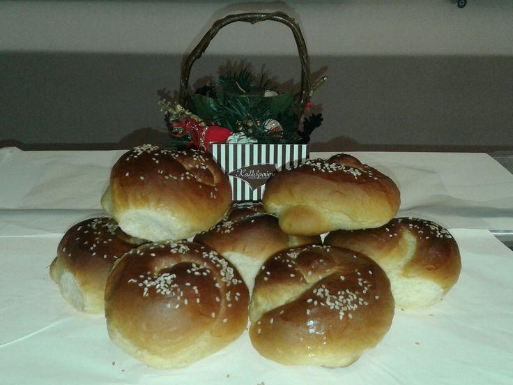 Τσουρεκάκια και τα Χριστούγεννα...