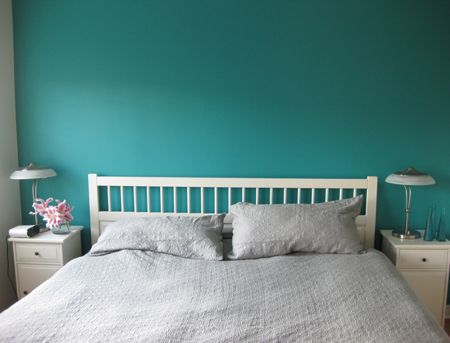 turquoise accent wall <3