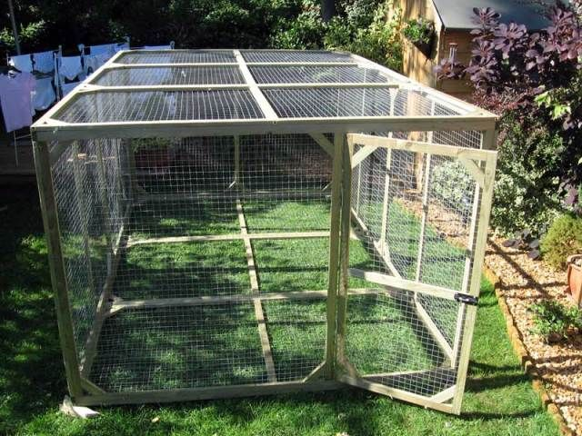 how to build a wire house for chicken or rabbit | Rabbits: rabbit!, rabbit runs, garden rabbit