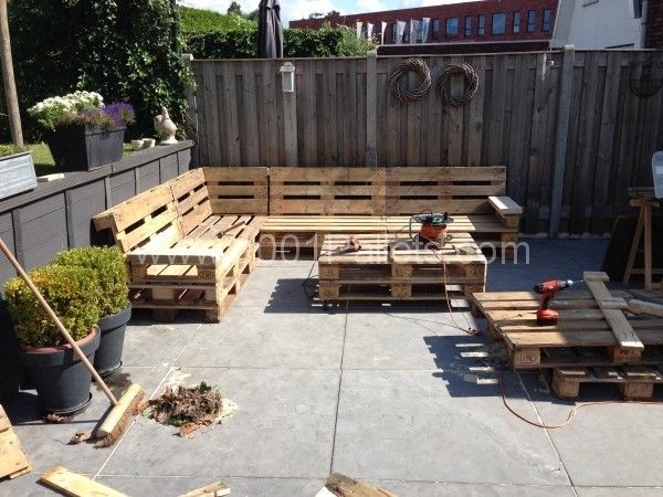 Lounge set with europallets