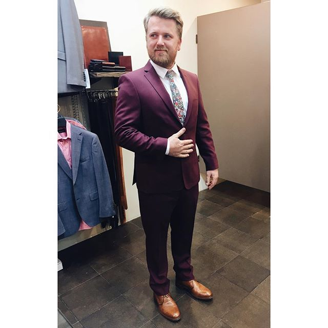 We love it when grooms get bold with their wedding day outfits. Reuben chose a deep oxblood custom cloth to get #marriedinmandatory and he looked awesome.