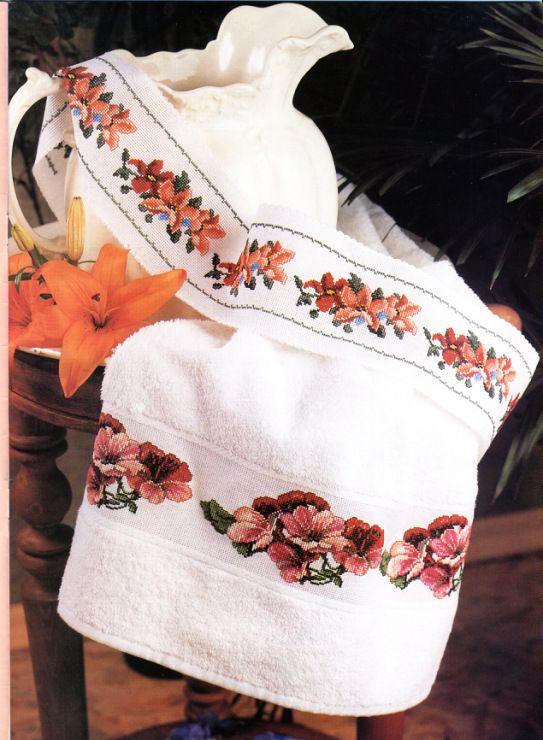 Gallery.ru / Фото #3 - Мода и модель. Мозаика вышивки 2003-02 - tymannost