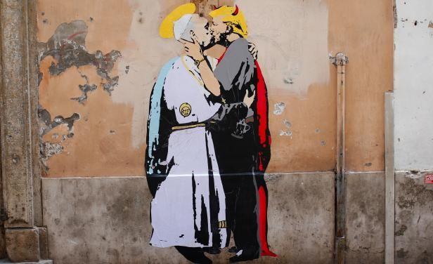 Mural de Donald Trump y el Papa Francisco besándose aparece en Roma | Noticias Uruguay y el Mundo actualizadas - Diario EL PAIS Uruguay