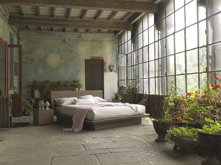 Quarantacinque bed. Shoot in Villa Chiesa - Brianza - Italy