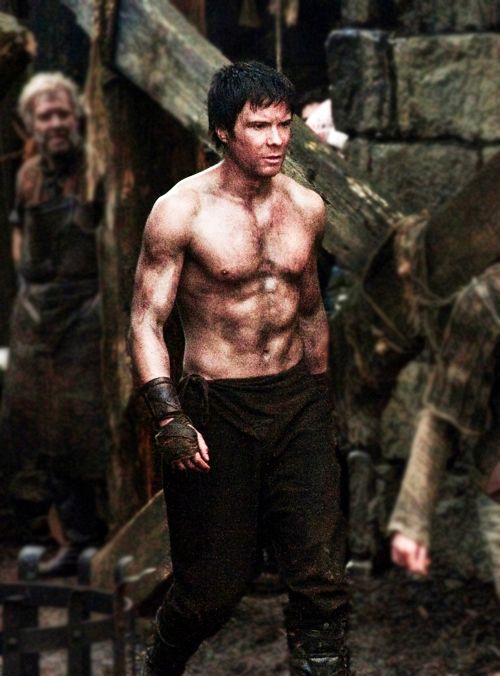 Gendry a.k.a. the best and most awesome bastard ever. Also, Joe Dempsie is just pretty as fuck.