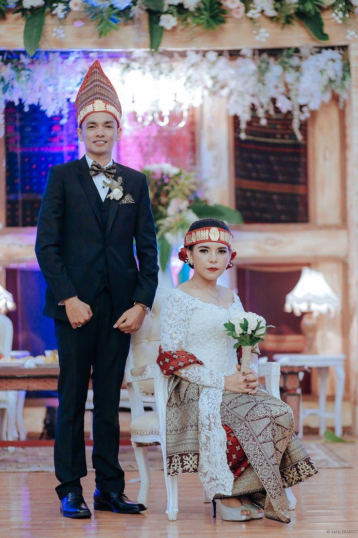 Pernikahan Adat Batak di Mulia Raja - 9