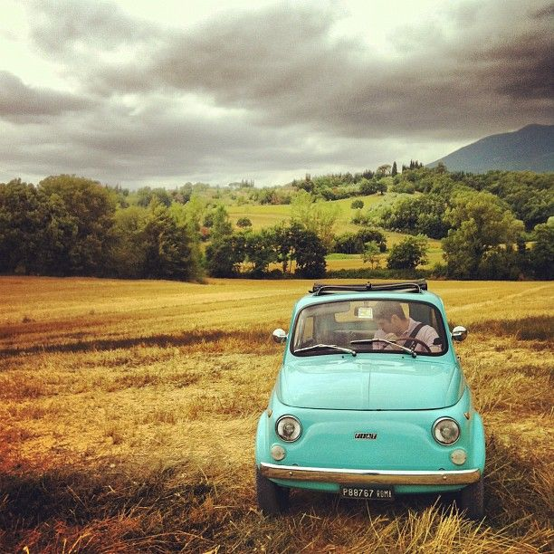 @Sofie K @dscreetstranger Imagine making a roadtrip through Italy or France with an old Fiat 500! Wouldn't that be brilliant?