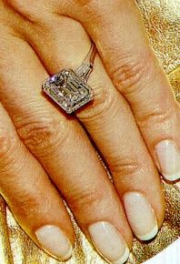 melania trumps engagement ring
