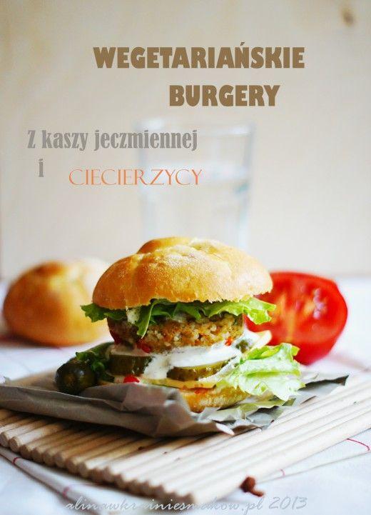 Wegetariańskie burgery z kaszy jęczmiennej i ciecierzycy