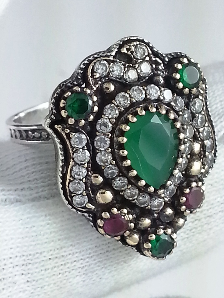 grand bazzar istanbul turkey arabic ottoman indian turkish gold diamond silver emerald ruby 1string jewelry jeweller jeweler nice beautiful womans lady's wedding ideas valentines  american food