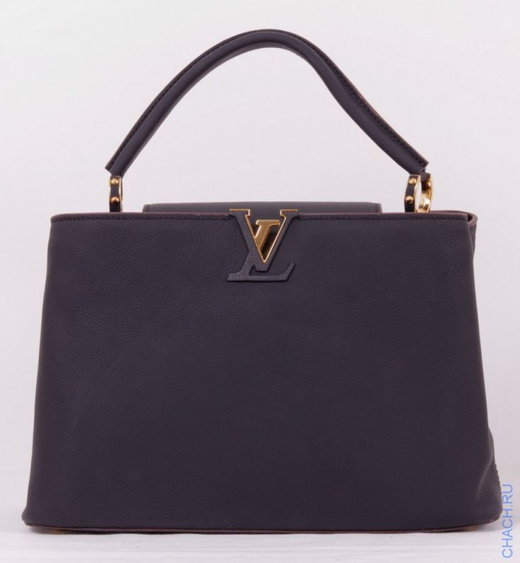 Сумка Louis Vuitton Capucines MM черная из натуральной кожи с золотистым логотипом