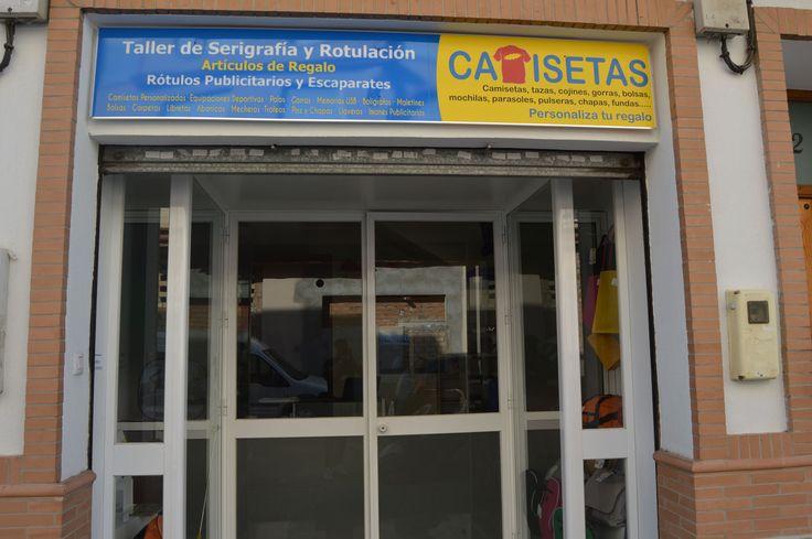 Teléfono de Contacto: 954922577 Correo Electrónico: dpigraficas@dpigraficas.com Dirección: C/ ARAGÓN, 32 Código Postal: 41006 Provincia de Andalucía: Sevilla Descripción de la Empresa / Comercio: TALLER DE SERIGRAFÍA, TAMPOGRAFÍA Y REPRODUCCIÓN