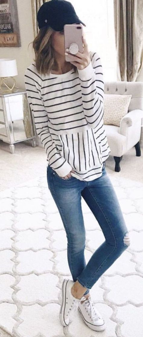 40 Inspiring Spring Outfits Ideas for Young Mom #spring #springstyle #springfashion #style