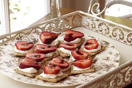 Strawberry Balsamic Appetizer -- easy and so yumm -- Triscuits Cracked Pepper & Olive Oil crackers, softened cream cheese, ripe, sweet strawberries, halved and Balsamic vinegar