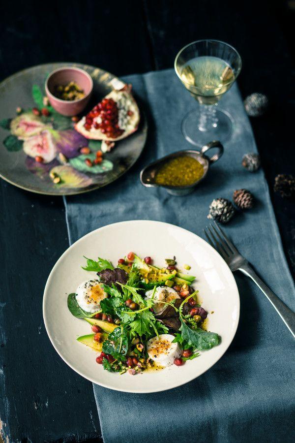 Ziegenkäse und Granatapfel verleihen diesem Salat mit Avocado eine eigene, leckere Note! #salat #avocado #granatapfel #edeka