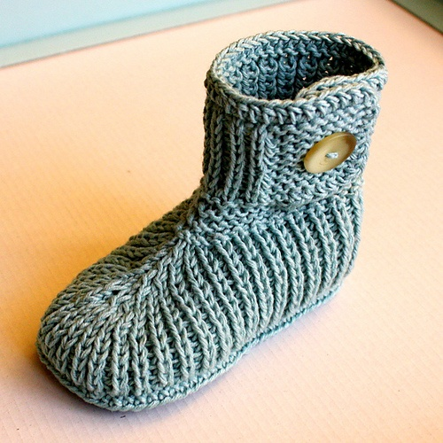Ravelry: TODDLER Winter Boots pattern by Julia Noskova