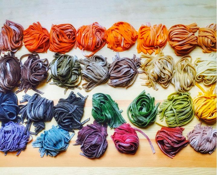 Taste the rainbow? Only if it's made from 100% natural dye, like this homemade pasta. Our newest Instagram crush is showing us how to bring a little brightness into our cooking, naturally...