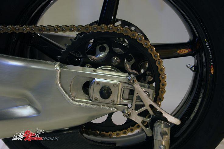 Kenny Roberts Rep Custom YZF-R1 - Bike Review