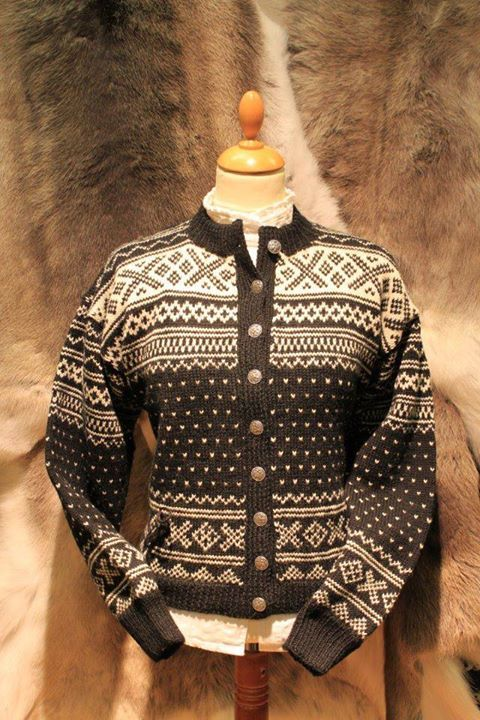 "Knittet jacket in old Norwegian pattern ""Setesdal"""
