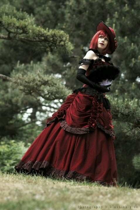 Madame Red cosplay. I want that dress!