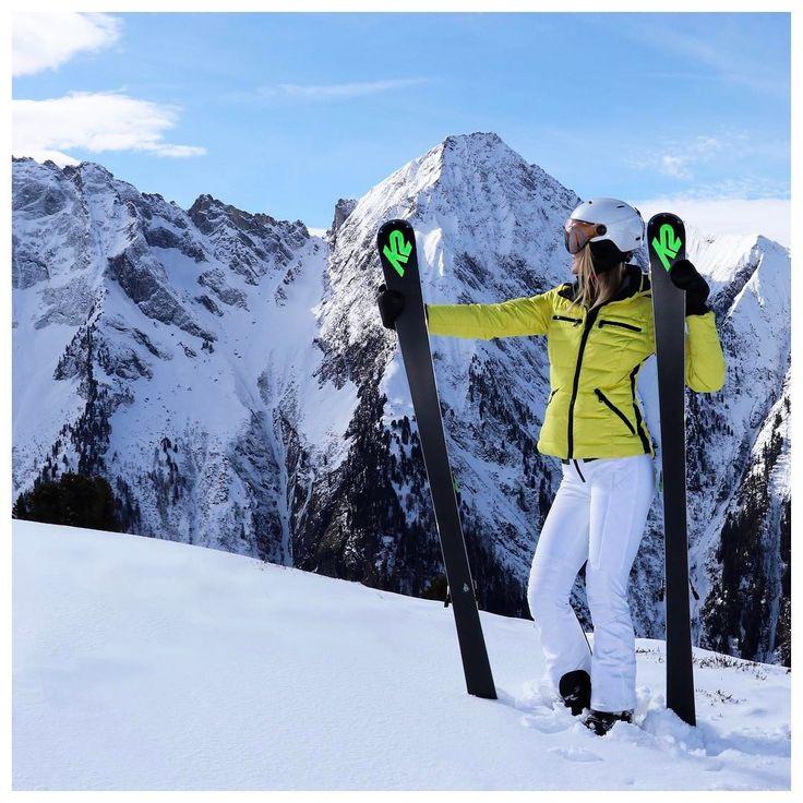 ohmyfitness.nl💙🎿heerlijk weekje gehad 🍺💙 Omdat ik n kind tussen mijn benen moest meeslepen en oplettend moest zijn ben ik 3 jaar geleden weer gaan skiën, sinds mijn 16e had ik alleen nog maar geboard. Maar wat is het toch heerlijk ☀️ @goldbergh @mayrhofenimzillertal @diesnaloomans #ohmyfitness #goldbergh #winersportfashion #gaanmetdie🍌 #skieën #⛷