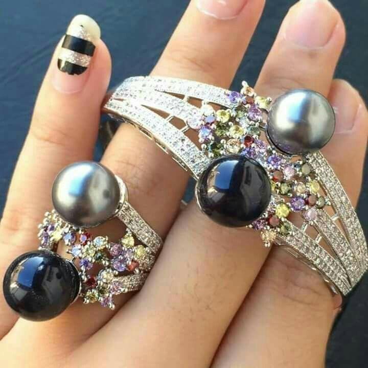 Gelang dan cincin mutiara lombok Pesan Add Bbm : D6AB777F Sms/ tlp. : As 082337322501/ IM3 085785304765/ XL 085954311294 Wa. : Tri 08990127841 NB: Bila anda ragu jangan membeli dulu. Cek dulu resi dan testnominalnya  #mutiara#mutiaralombok#mutiaralaut#mutiaratawar#fashion#perhiasan#rhodium#elegant#allstyle#wisata#senggigi#oleholehlombok#emas#kadoistimewa#wedding#cincin#alam#natural#pearl#gold#silver#sekarbela#