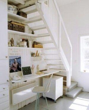 Treppe mit Arbeitsplatz