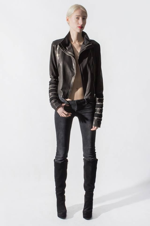 Nothing in this World seems to be more seductive than a chic, edgy and definitely one-of-a-kind #leatherjacket #zayder