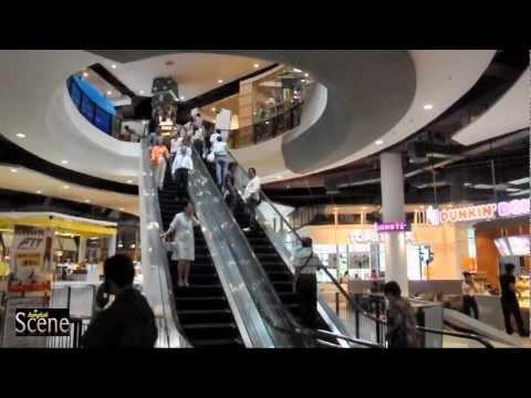 Gateway Shopping Centre Opens in Ekamai, Bangkok. Movie by Paul Hutton, Bangkok Scene