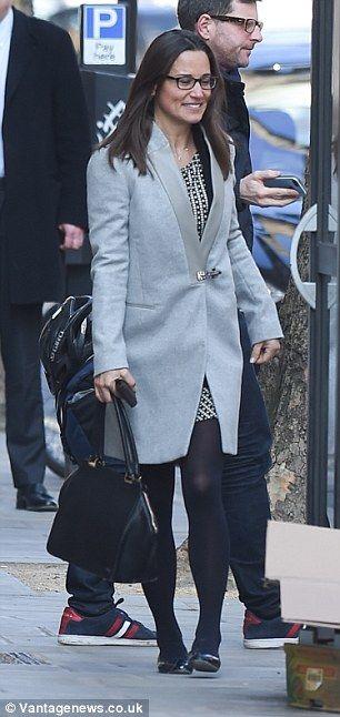 Księżna Cambridge jest siostra rzadko spotykane w jej okulary, ale wyciągnął inteligentnych czarne ramki się z rozmachem