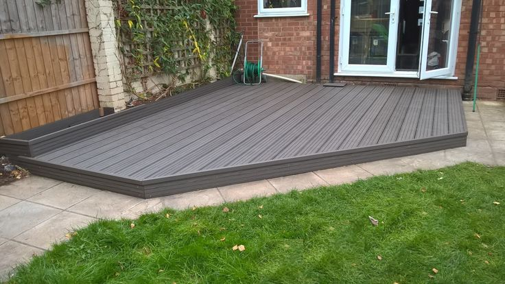 Fensys natural plastic composite low maintenance decking in charcoal
