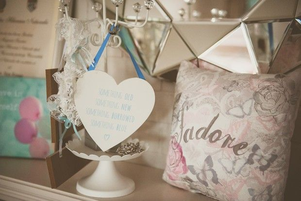 With a 'Balloons, Bows and Bling' theme, you know you're in for a fun day! Thomas and Aimee's Hodson Bay wedding was fab from start to finish, brimming with pin-worthy details...