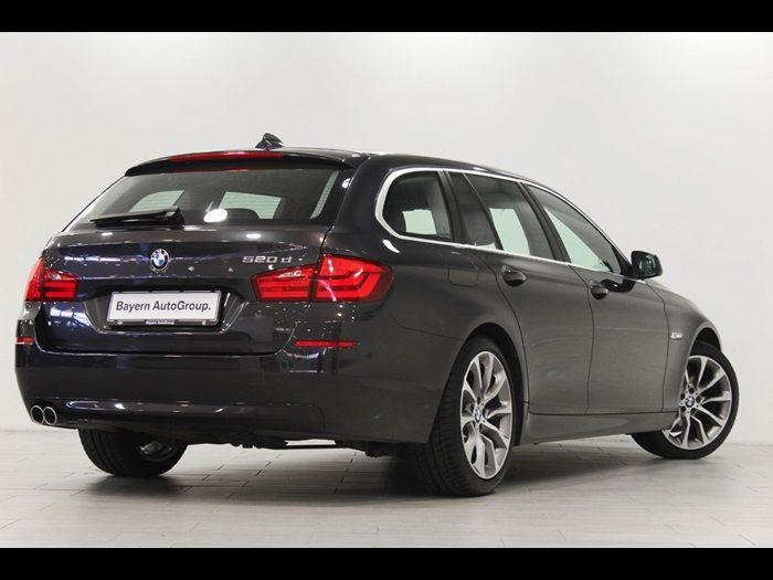 Se den brugte BMW 520d 2.0 Touring aut. fra år 2012 som vi har til salg hos Bayern AutoGroup Aalborg A/S. Bilen har kørt 140000 km.