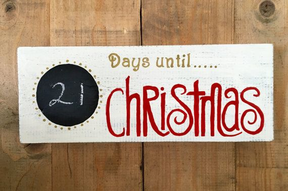 Countdown the days until Christmas with your family and friends with this festive chalkboard advent calendar sign. Each day can be counted off on this wipe clean chalkboard sign.  A Beautiful Christmas pallet sign to add festive cheer to your wall or mantle piece this Christmas! This reclaimed wood pallet sign Christmas decoration is handmade and has been hand painted.  In each Christmas countdown pallet sign the natural character of the wood is retained and therefore each one is unique. the…