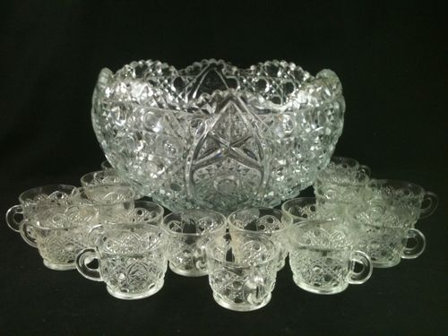 Vintage 18 Piece Punch Bowl Set Cups Clear Daisy Button L E Smith Glass Co Collectible